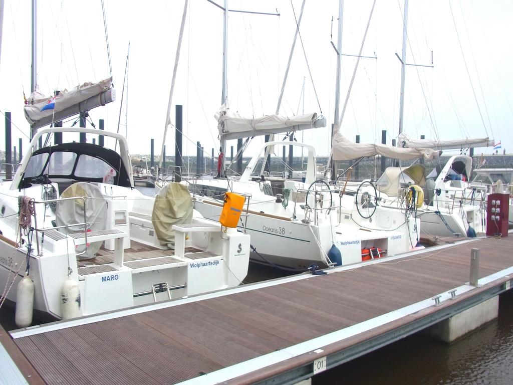 Jachten und Motorboote in Cadzands Marina