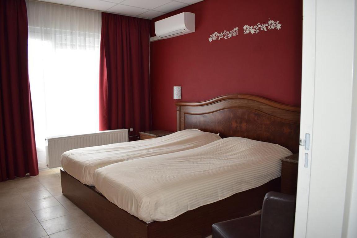 Dreibettzimmer Hotel Rooms Breskens