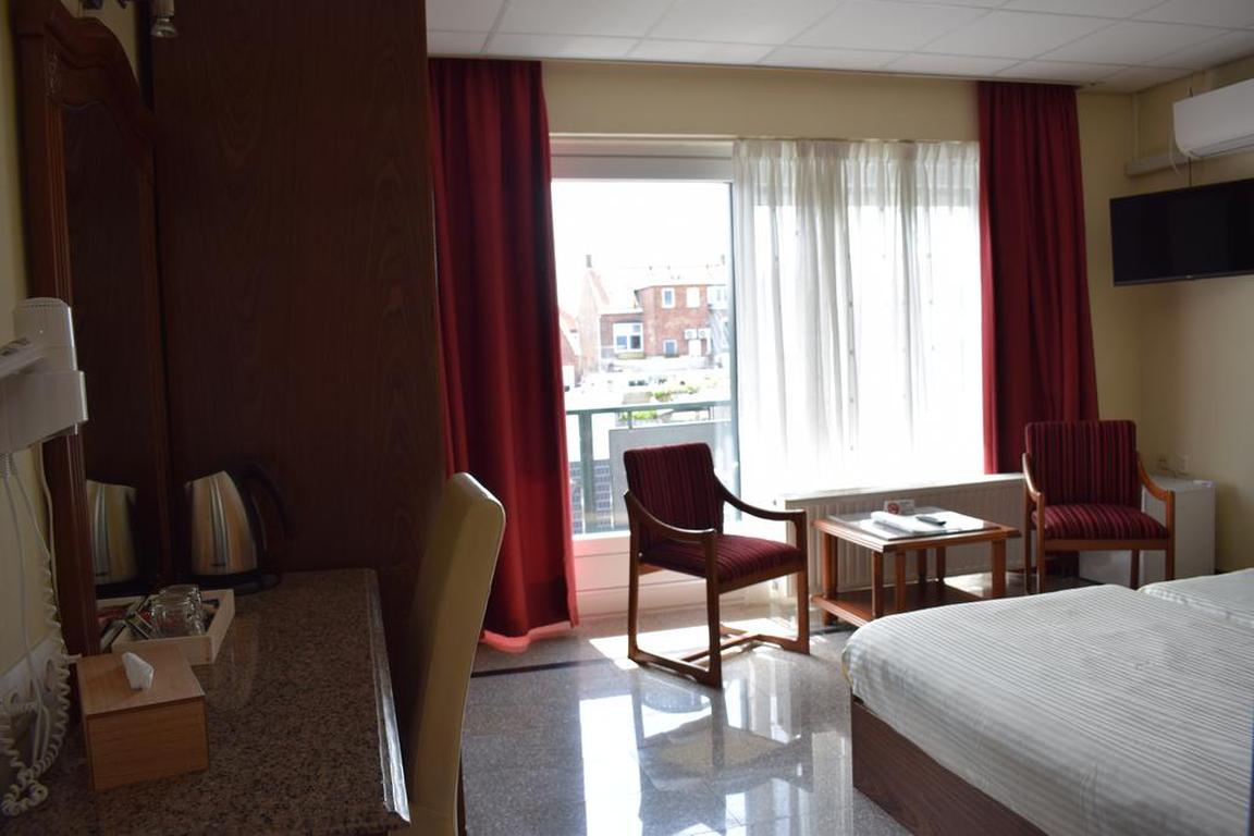 Zweibettzimmer mit Balkon Hotel Rooms Breskens