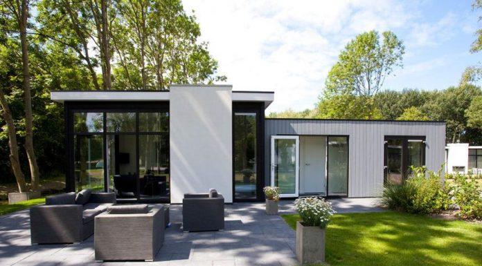 "Ferienpark ""DroomPark Schoneveld"" Breskens: Chalet Typ CUB4B, komplett eingerichtet mit Kombi-Mikrowelle"