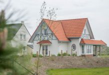"""Platz für 2 Familien a 4 Personen: Ferienhaus Typ CAL8B in der """"Noordzee Residence Cadzand-Bad"""""""