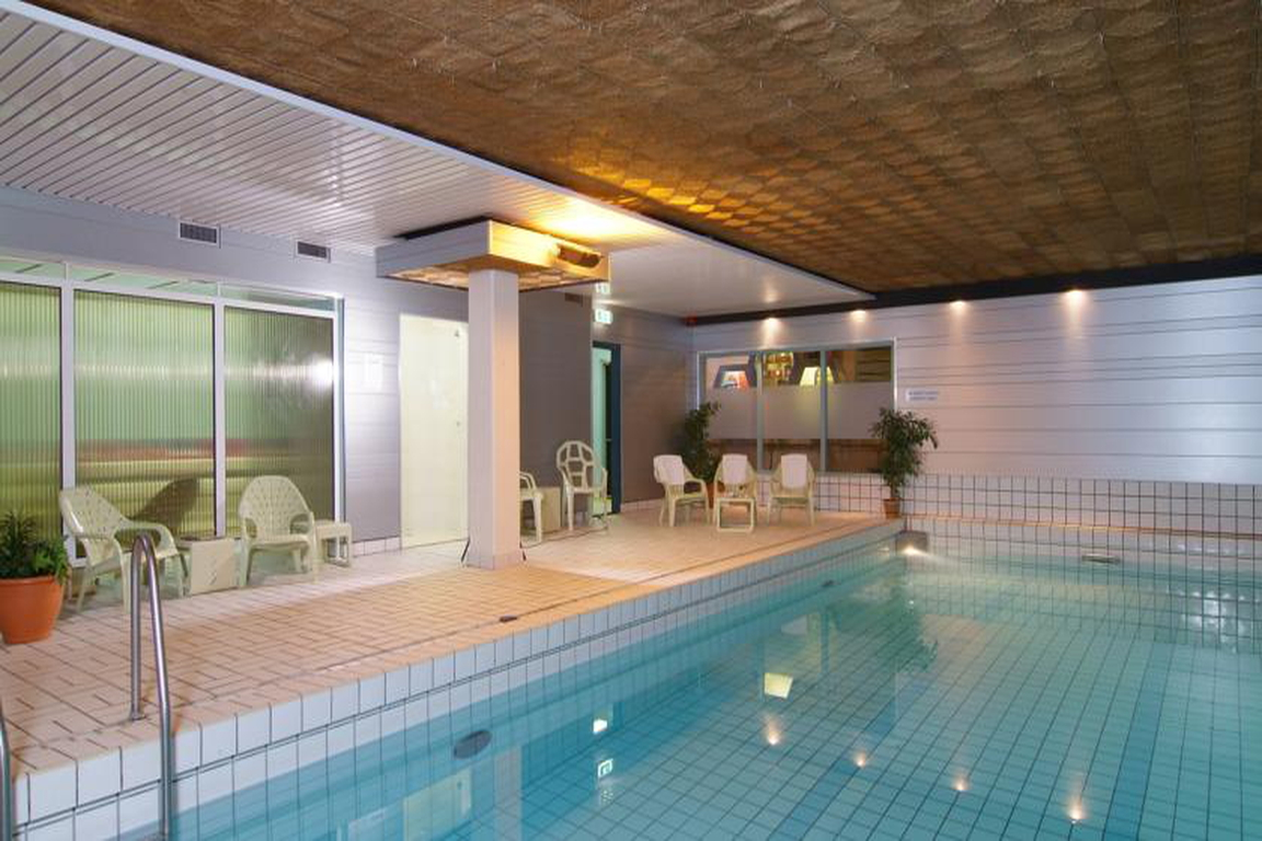 "Hallenschwimmbad im Hotel ""de Schelde"" Cadzand-Bad"