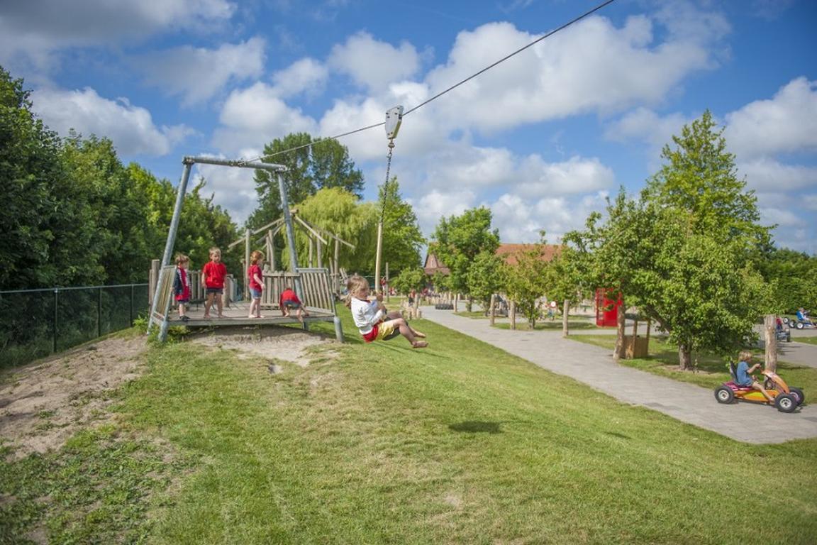 Nieuwvliet - Spielebauernhof Pierewiet