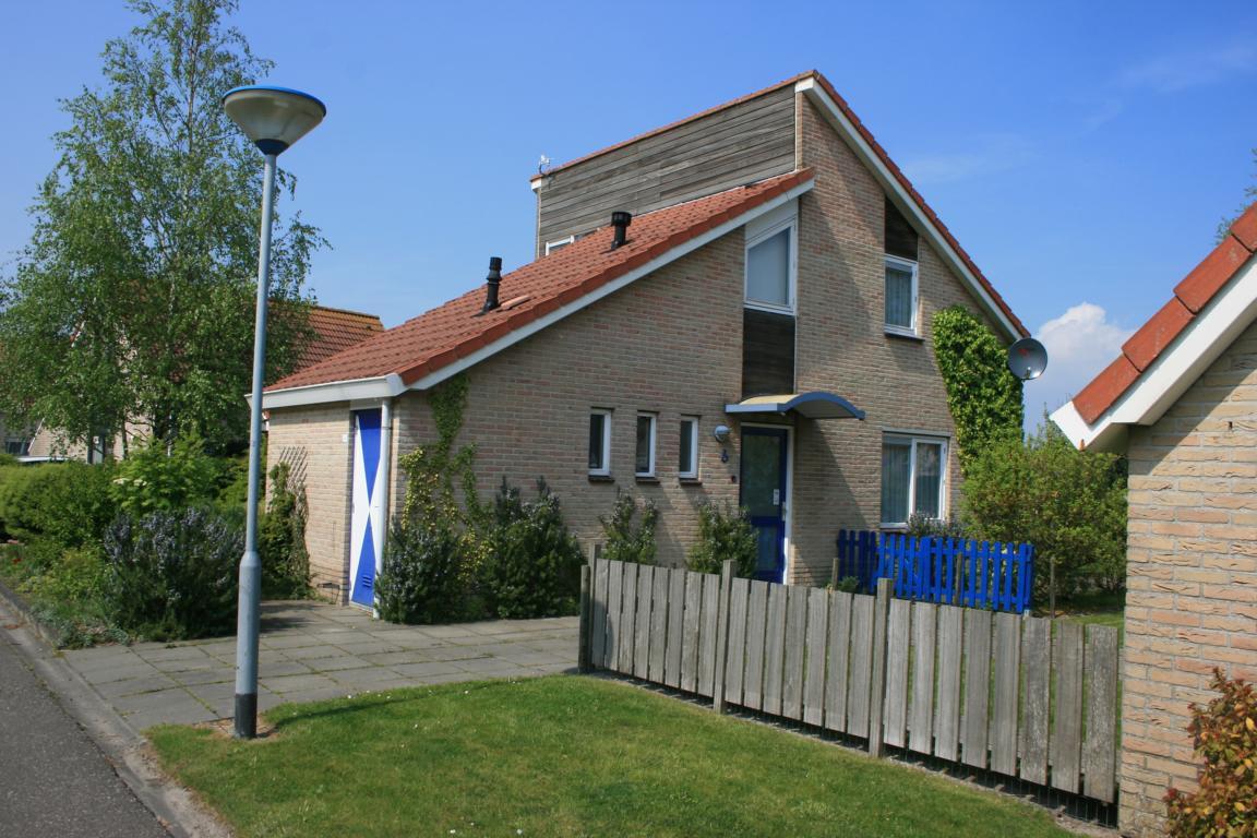 """Ferienpark """"Zeebad"""" Breskens: Freistehender Bungalow Typ Schl für 6 Personen mit 3 Schlafzimmern"""