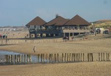 Strandpavillon Captains Paradise